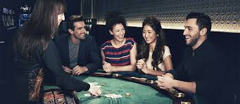 Is it easy to play blackjack game on online?