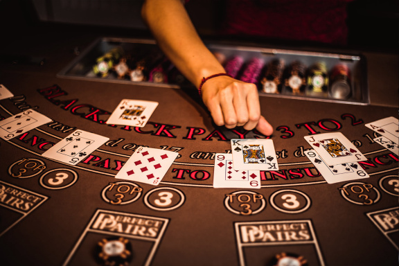 Tips For Playing Boldy In Online Casino Poker